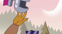 S3E37 Talon tossing horse helmet into the air