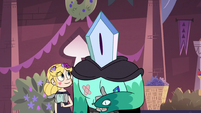 S3E9 Rhombulus talking to Star Butterfly