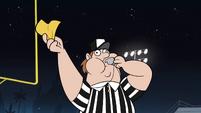 S1E4 Referee runs across the field
