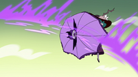 S4E32 Eclipsa shields herself from magic blowback