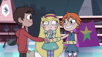S3E15 Marco Diaz and Higgs shaking hands
