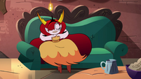 S4E36 Hekapoo lounging on a tavern couch