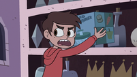 S2E18 Marco Diaz picks up a salad spinner