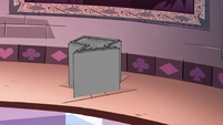 S2E23 Solaria's pedestal raises off the ground