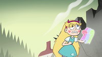 S4E33 Star Butterfly conjures a Rainbow Fist