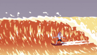 S4E6 Tom Lucitor surfing the waves
