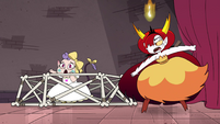 S4E24 Hekapoo next to Meteora's bone crib