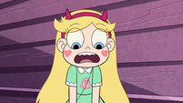 S2E27 Star Butterfly in awe of Janna's cake