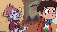 S3E31 Tom Lucitor getting Marco's attention