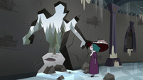 S3E36 Eclipsa looks at the hole in the wall