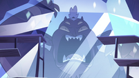 S4E4 Close-up on crystallized Globgor