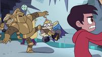 S4E1 King Butterfly biting knight's leg