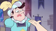 S3E10 Manfred looking at Star Butterfly's hand
