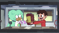 S4E16 Kelly giving rules of cornball to Marco