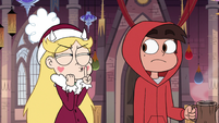 S3E25 Star Butterfly shushing Marco Diaz