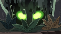 S3E36 Meteora's eyes glowing in the trees