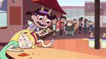S4E26 StarFan13 picks up and drops Star's arm