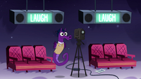 S4E9 Seahorse changes 'applause' to 'laugh'