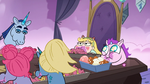 S3E21 Star eating food with Pony Head's sisters