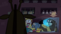 S1E8 Giraffe monster finds Star