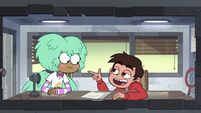 S4E16 Marco Diaz acting cool for Kelly