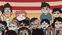 S1E5 Star's friends in the back row