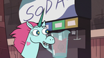 S2E24 Pony Head blending soda in a large pitcher