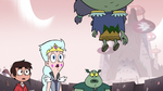S3E7 Marco, Moon, and Buff Frog look at Toffee