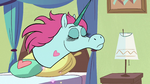 S2E33 Pony Head glamorously whips her mane