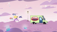 S3E35 Star and pony sisters chase after the van