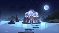 S3E9 Exterior shot of Mewni Sanctuary