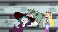 S4E16 Eclipsa looking under Buff Frog