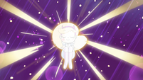 S4E29 Star Butterfly surrounded by light