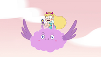 S4E32 Star Butterfly flying on Cloudy's back