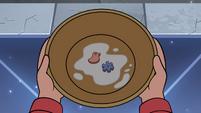 S4E13 Mushy marshmallows sitting in the bowl