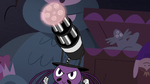 S3E24 Spider's top hat turns into a minigun