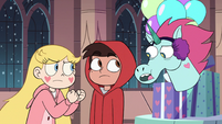 S3E25 Pony Head interrupting Marco Diaz