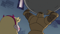 S4E1 Tall knight holding a wrecking ball