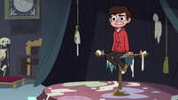 S3E32 Marco Diaz posing for Cobalt's portrait
