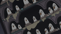 S3E20 Lots of pigeons looking at Star and friends