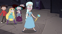 S4E35 Moon Butterfly looking nervous