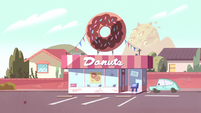 S2E9 Echo Creek donut shop