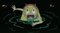 S3E7 Star Butterfly frightened by giant eyeball