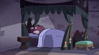S4E34 Globgor lying in Meteora's bed