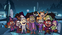 S2E21 Dozens of trick-or-treaters gather outside the house