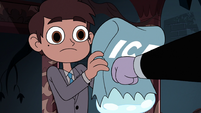 S3E24 Tom punches Marco's bag of ice