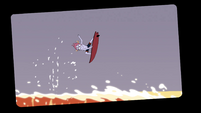 S4E6 Picture of Tom Lucitor surfing