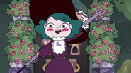 S4E1 Eclipsa greeting Star and Marco