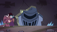 S4E32 Eclipsa and Globgor hide from Solarian warrior