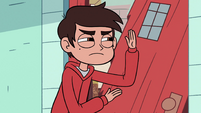 S2E36 Marco Diaz ready to break into the house